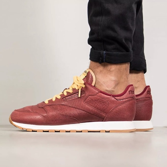 finest selection 649db c5021 NWB Men s Reebok Classic Leather Boxing Shoes
